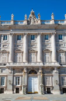 Free The  Royal Palace In Madrid, Spain Stock Images - 16766524