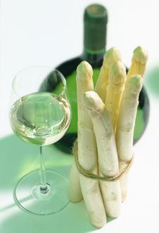 Free White Wine With Asparagus Stock Photos - 16768073