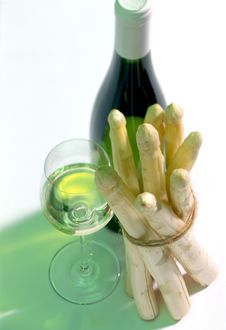 Free White Wine With Asparagus Royalty Free Stock Photo - 16768075