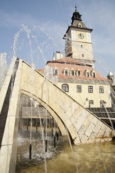 Fountain In The Central Square Of Brasov Stock Photos