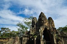 Free Entrance To Angkor Thom Royalty Free Stock Photography - 16770197