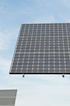 Free Renewable Energy - Photovoltaic Solar Panel Arrays Royalty Free Stock Images - 16771929