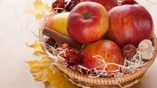 Free Apples In Wicker Basket Royalty Free Stock Photo - 16777935