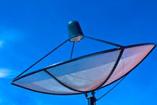 Free Satellite Dish In Blue Sky Royalty Free Stock Photos - 16778438