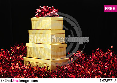 Free Gold Boxes Red Bow Red Garland Stock Photos - 16789213