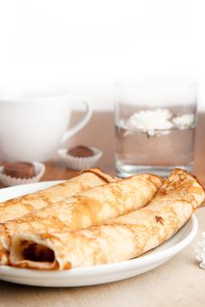 Free Rolled Pancakes Stock Photography - 16781122