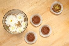 Free Sweet Chocolate With White Flowers Royalty Free Stock Images - 16781189