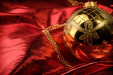 Free Gold Baubles With Red Backdrop Stock Images - 16781314