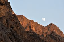 Free Moon Ower Mountains Royalty Free Stock Image - 16781626