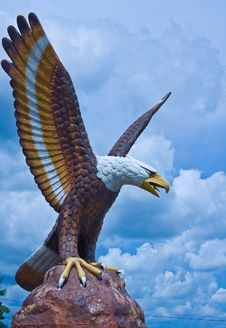 Free Eagle Sculpture Stock Images - 16781654