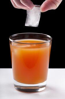 Free Grapefruit Juice On Ice Royalty Free Stock Images - 16783379