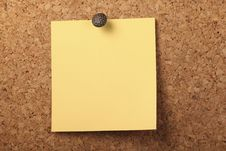 Free Pinned Yellow Notepaper Royalty Free Stock Photos - 16784998