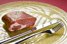 Free Raw Meat On A Plate Royalty Free Stock Images - 16791169