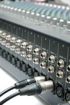 Free Connector Signal Sound Mixer Stock Image - 16796331