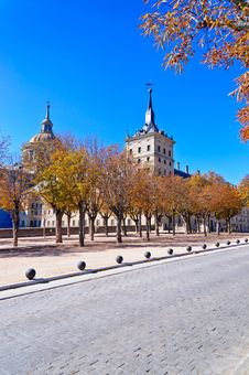 Free Fall In El Escorial Royalty Free Stock Photos - 16796918