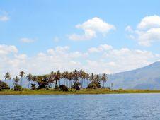 Free Lake Toba Royalty Free Stock Photography - 16799387