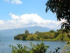 Free Lake Toba Royalty Free Stock Photo - 16799655