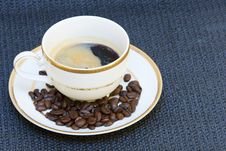 Free Coffee Bean Cup Royalty Free Stock Photography - 1680067