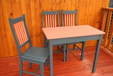 Free Table & Chairs Royalty Free Stock Photos - 1683698