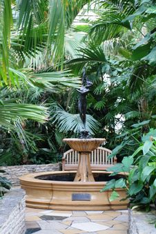 Free Como Fountain Royalty Free Stock Image - 1689816