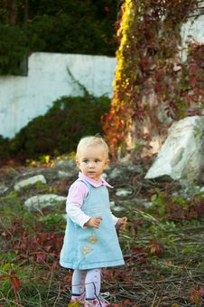 Free Beautiful Baby Girl In Summer Royalty Free Stock Images - 16800379
