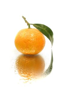Free Tangerine With Leave Royalty Free Stock Image - 16800486