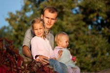 Free Father With Two Daughters Royalty Free Stock Images - 16800669