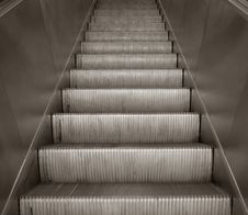 Free Escalator Staircase Royalty Free Stock Images - 16804159