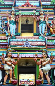Free Hindu God Statues On Temple Royalty Free Stock Images - 16804799