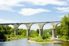 Free Viaduct, France Royalty Free Stock Photo - 16806375