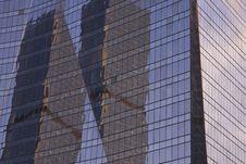 Free Blue Purple Window Reflection Stock Photography - 16808322