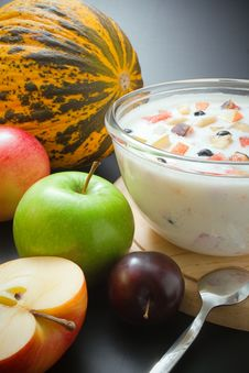 Free Yogurt Mixed With Fruit Pieces Royalty Free Stock Photography - 16809607