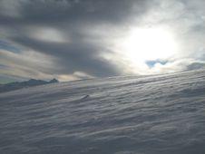 Free Snow And Sun Royalty Free Stock Photos - 16809608