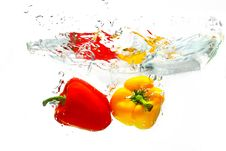 Free Red And Yellow Peppers Royalty Free Stock Images - 16812239