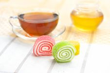 Free Colored Jelly And Mug With Tea Royalty Free Stock Images - 16814599