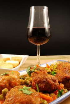 Free Meatballs In Sauce With Peas Royalty Free Stock Image - 16814756