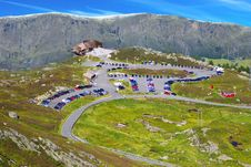 Free Picturesque Norway Mountain Landscape With Parking Royalty Free Stock Photos - 16815188