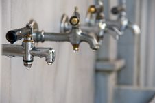 Free Dripping Taps Stock Photography - 16816152