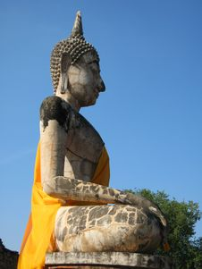 Free Side Profile Of A Buddha Statue. Stock Images - 16816354