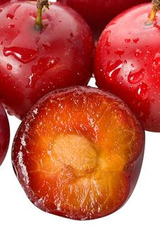 Free Wet Ripe Plums Royalty Free Stock Photo - 16816915