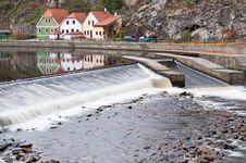 Free Weir In Cesky Krumlov Stock Images - 16818004