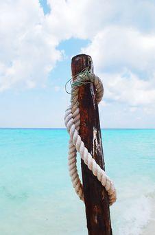 Free White Rope And Sea. Stock Photo - 16821310