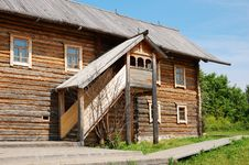 Free Traditional Russian Rural House Stock Photography - 16821352
