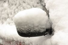 Free Car Mirror Covered With Snow Stock Photography - 16821922