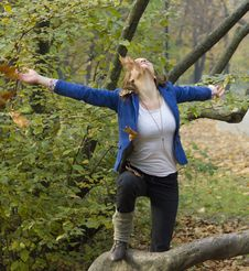 Free Women In The Autumn Forest Royalty Free Stock Photos - 16826778