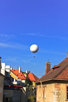 Free Dirigible Balloon On The Blue Sky Stock Photography - 16827972