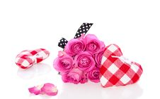 Free Pink Roses And Decorative Hearts Royalty Free Stock Photos - 16831848