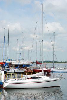 Free Yacht Royalty Free Stock Photo - 16834005