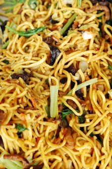 Free Hokkien Noodles Are Round Egg Noodles Royalty Free Stock Photos - 16834698