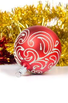 Free Red Christmas Ball Royalty Free Stock Photo - 16836345